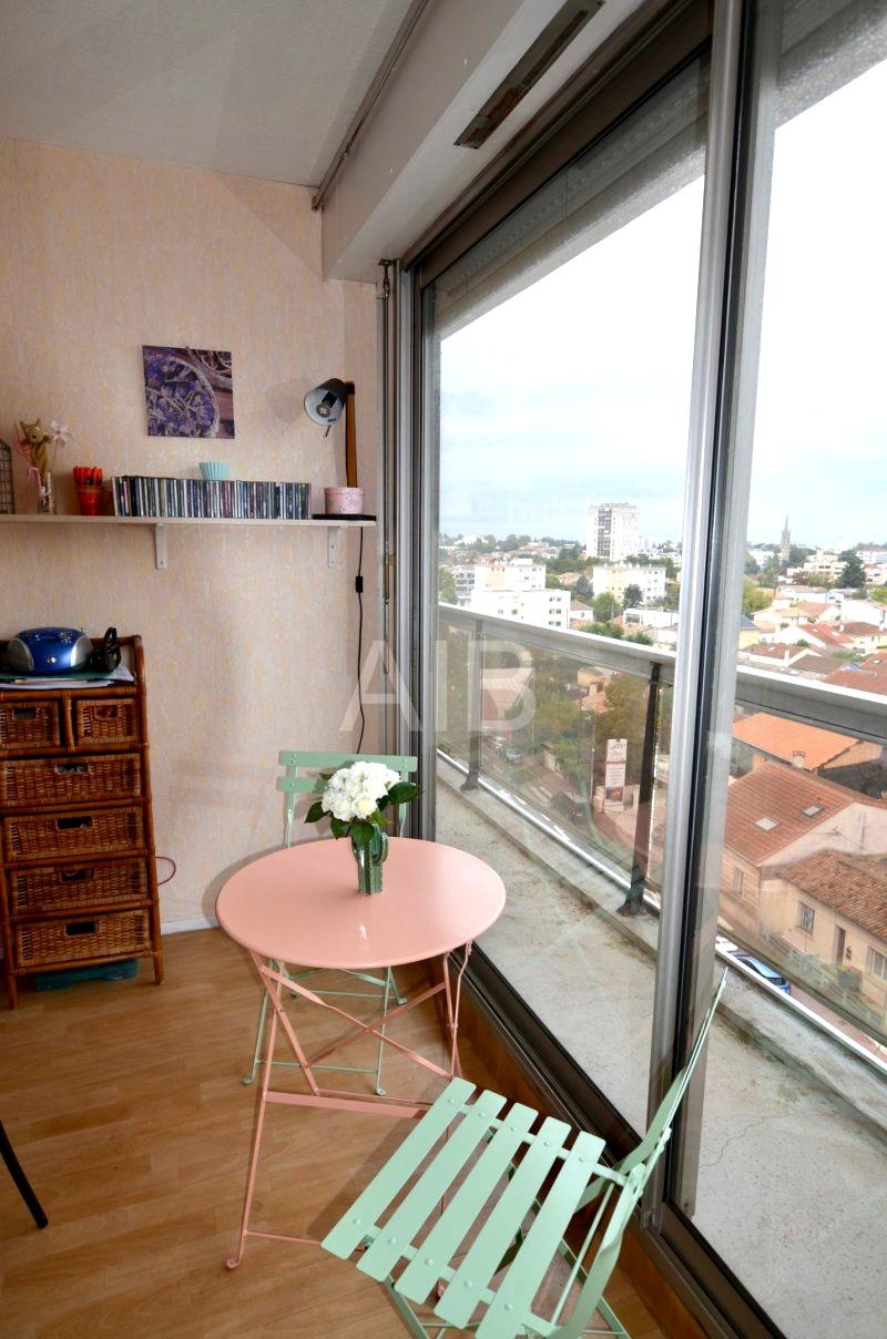 Appartement, caudéran, proche bordeaux, dernier étage avec balcon